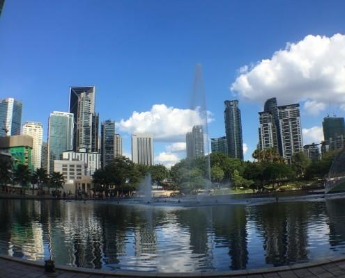 Lago Sinfonia en el parque KLCC en Kuala Lumpur
