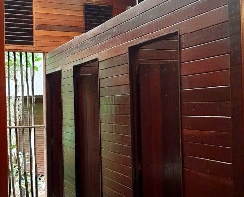 Zona de baños y duchas Natural Sukau Bilit Resort